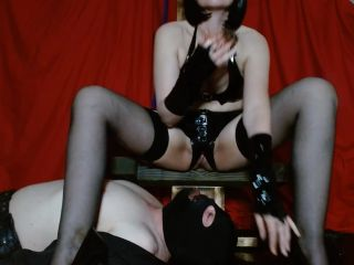 MsSherryBells - Sherry feeds and waters sub [FullHD 1080P] - Screenshot 2