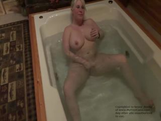 jacuzzi cum with toys