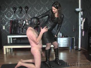 Porn online Boot Worship – FemmeFataleFilms – Kiss My Leather – Part 2 Starring Lady Victoria Valente