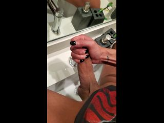 29 06 2019 I love jacking off in front of mirrors and eating my own cum