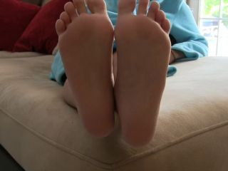 [Manyvids] Ashley Sinclair - Feet And Toes Jerk Off Instruction