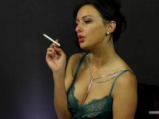 SLOW SEDUCTIVE SMOKE IN GREEN LINGERIE - CassieClarke