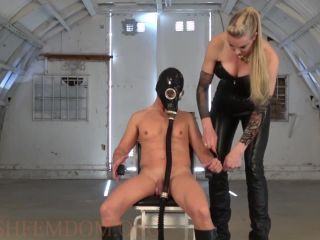 Porn online [Femdom 2018] Kinky Mistresses – Used On The Military Base By Severa [Scratching, Gasmask, Military] femdom