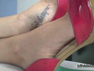 Footlicking – Bffvideos – Allice – Worship Princess Allice Sweaty Feet Pt.1
