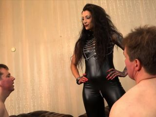 The Faceslapping Test Domina Charlize
