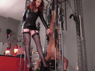 Online porn Mistress Lady Renee - Upside down worship