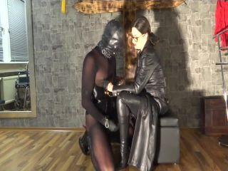 German Mistress – GERMAN FEMDOM Lady Victoria Valente – Lady Victoria Valente in nipple play and fuck your cock between my boots