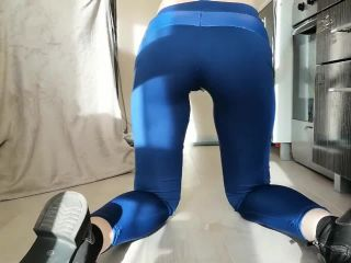 A Wet Goodbye to your Favorite old Legging [HD 720P] - Screenshot 5