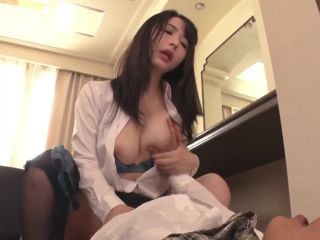 JAV Akira Elly - The Last Day Of A Business Trip Sharing A Room With M ...