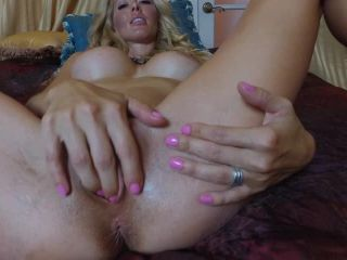 milf - ManyVids presents TianaLive in hollyhotwife – After Photoshoot Orgasm