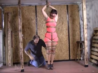 German Escape Artist Takes On The Rope Challenge