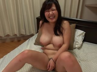 Chubby japanese babe with big natural tits rides cock