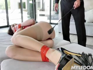 Alana Cruise in Submissive Pussy Payments