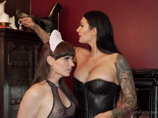 Mistress Damazonia – Having my pretty little maid lick my armpits