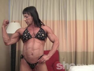 Tazzie Colomb - Who Likes Big Legs?'