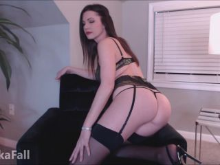 Anika Fall – Oily Ass Seduction