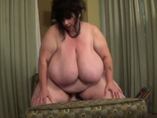 Suzie Q - BBW Suzy Q 44M Fucking Her Dildo Once Again [Manyvids]