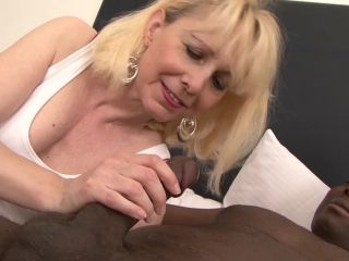 Milf wants deepthroat from big black cock