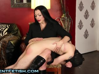 Online femdom video Goddess Cheyenne - Bad Boys Get Spanked