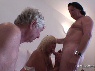 Roger is gona cum in my mouth and I will spit it into your mouth Then ...