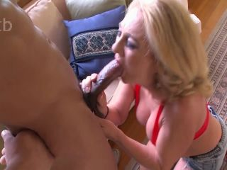 She loves when her mouth is full of thick cum
