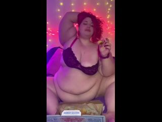 SSBBW Eating Domino's while playing with belly