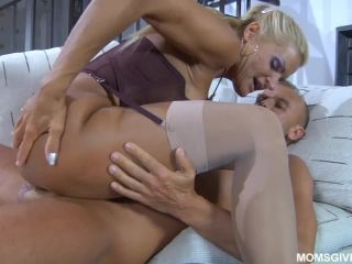 Milf takes anal
