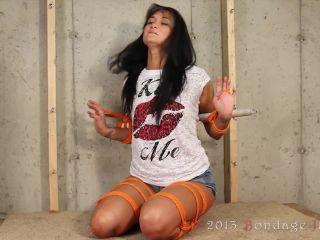 Amanda vs. The Finger Loops