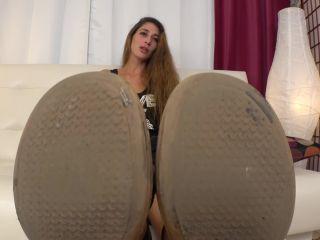 UNDER GIRLS FEET  Few Days Unwashed Feet Hippie Girl. Starring Irma [Dirty Feet, Footworship, Shoe Fetish, Shoeslicking, Shoe Worship]