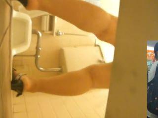 Voyeur Pissing Toilet — 15283633