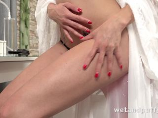 Wet And Puffy – Victoria Daniels