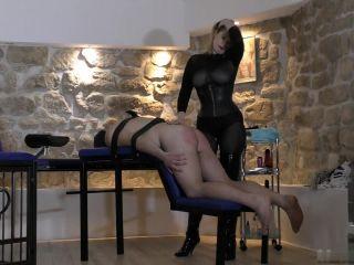 Mistress – Lady Eviana -The Fetishdomina – WHIP AND FUCK