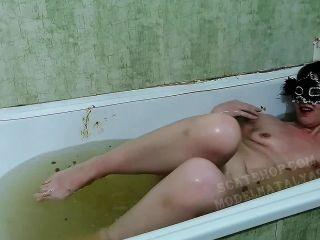 ModelNatalya94 - Olga takes a shitty bathroom [FullHD 1080P] - Screenshot 4