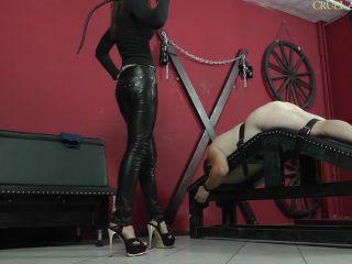 Porn online CRUEL MISTRESSES – FULL HD Slave gets wrecked  Starring Mistress Anette femdom