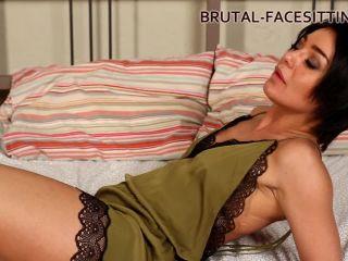 Brutal-Facesitting – Mistress Rebeca