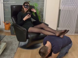 Pantyhose Domination – Madame Marissa – Slave smells and massages my nylon feet