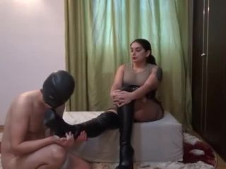 Mistress Roberta  Kiss my boots, my tights and my Godess ass-full. Starring Mistress Roberta [BOOT DOMINATION, SUBMISSIVE _ SLAVE TRAINING, ASS WORSHIP]