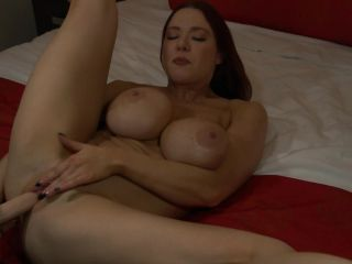 Kylee Nash - Your Buff Sister Wants to Fuck