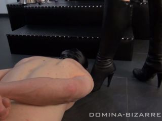 Domina-Bizarre  Der neue Sklave  Part 1. Starring Lady Mercedes