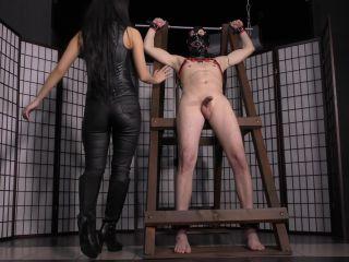Post Cum Torture – CRUEL MISTRESSES – 4K Femdom handjobs VIII – Mistress Darcia