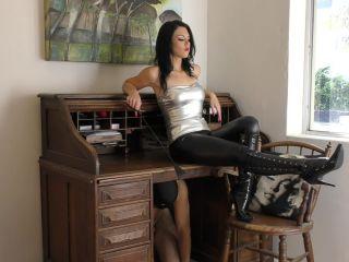 Femdomboot – Young Goddess Kim – Desk Boot slave