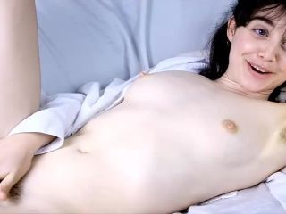 Sun-kissed ZoeB revels in an incredibly erotic