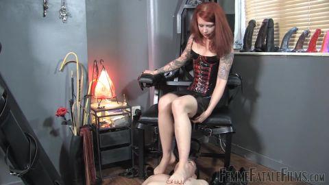 Miss Mara Mayhem starring (Foot Appreciation – Super HD) of (Femme Fatale Films) studio [FullHD 1080P]