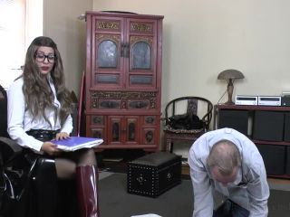 Absolute Femdom – Rainboot Licking In Lunchtime – Boot Worship