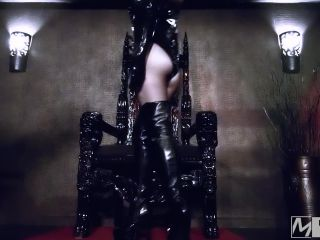 British Femdom – GODDESS MAYA LIYER – Boot Slave for Latex Goddess