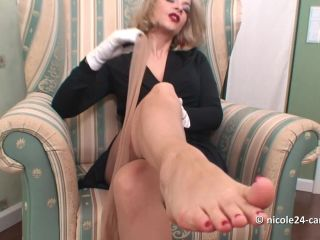 Footfetish 7915-NYLON TEASING TOE SUCKING