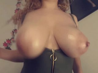 Aruwba - Feeling Wild Just Had To Oil My Big Boobs Up Play With My Pha ...