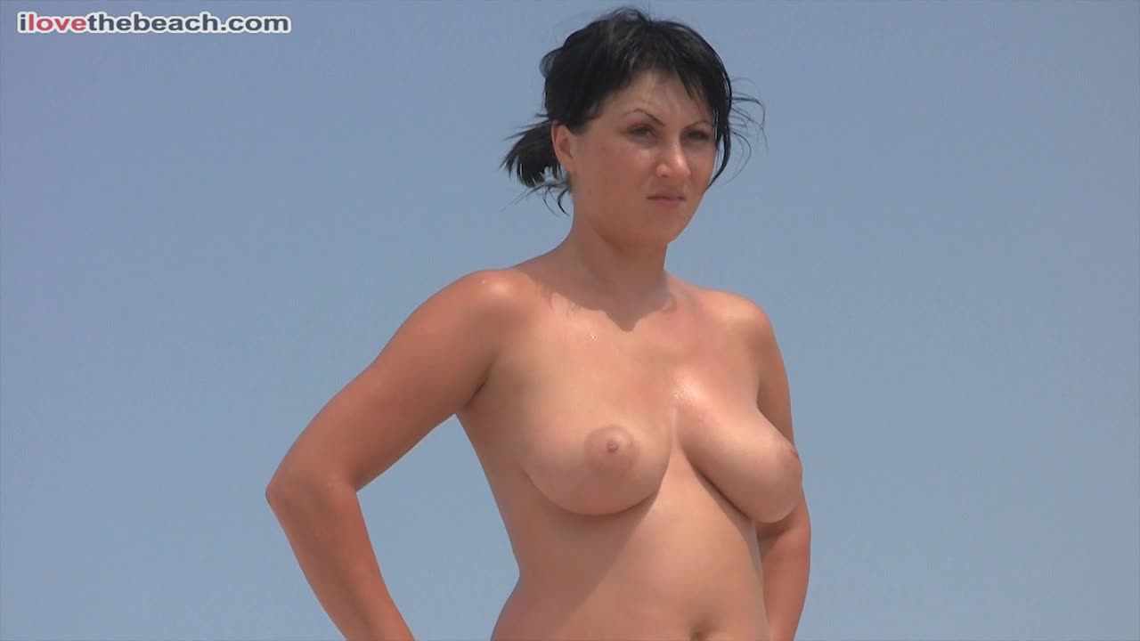 Nude, beach, young girl shows big tits, boobs - k2s.tv