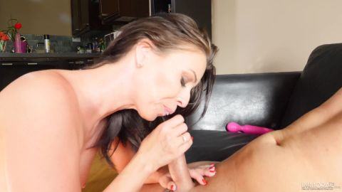 Vickie Brown - Demur Milf Intense Wild Sex With Step Daddy Dan [FullHD 1080P]