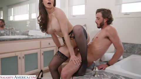 Lexi Luna - Lexi Luna Gets Dick From Her Sons Friend While The Party Rages Outside [FullHD 1080P]